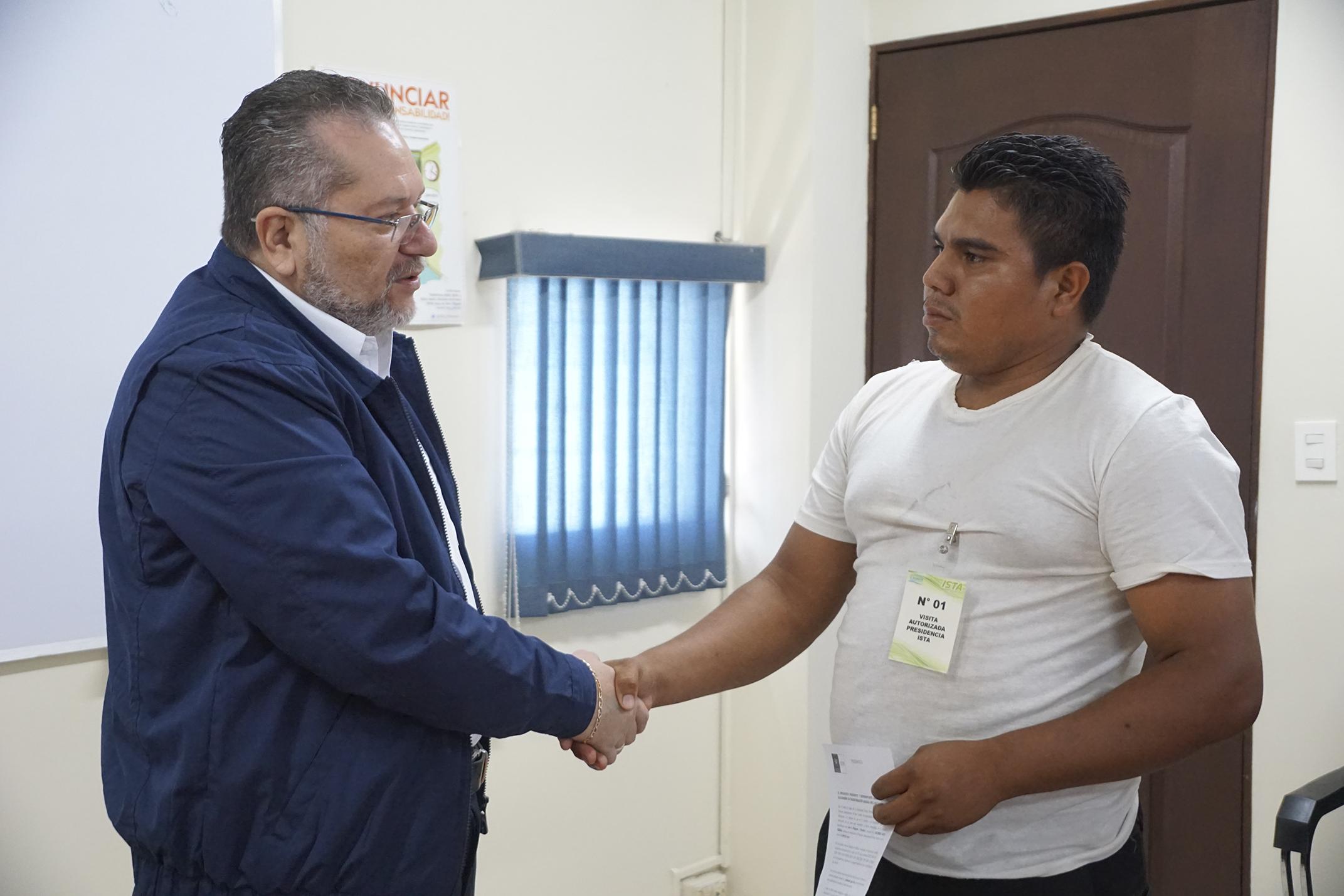 Presidente Óscar Enrique Guardado autoriza la perforación de un pozo a beneficio de la Comunidad