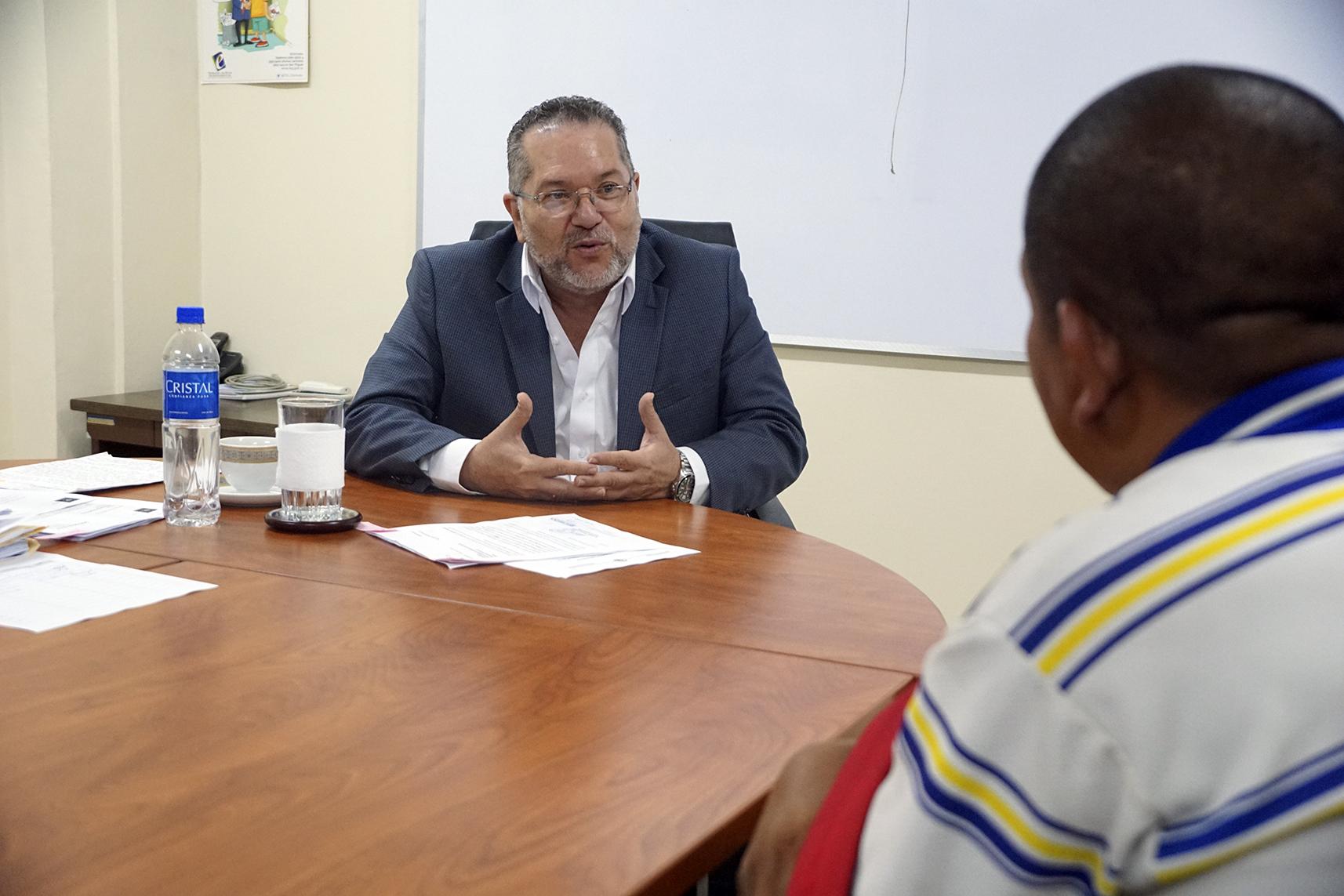 Primera reunión de política de Puertas Abiertas con beneficiarios