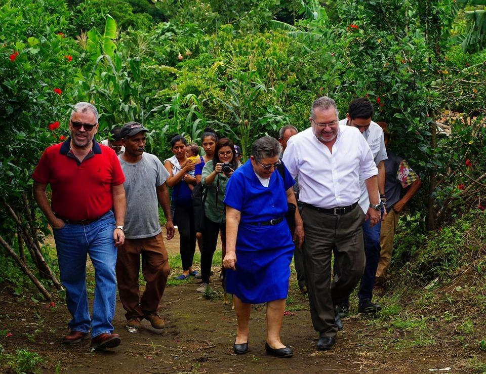 El presidente Óscar Enrique Guardado, sostuvo un encuentro con la ministra de Desarrollo Local, María Chichilco