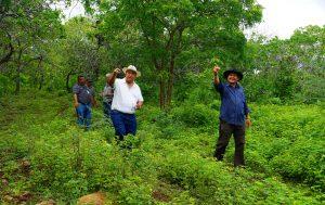El personal de la gerencia de Escuelas Agrarias, visitó la Cooperativa Chilanguera