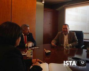 El Presidente Óscar Guardado junto al equipo técnico y jurídico de la institución, sostuvieron una reunión con el Presidente del Banco de Desarrollo de El Salvador (BANDESAL), Juan Pablo Durán