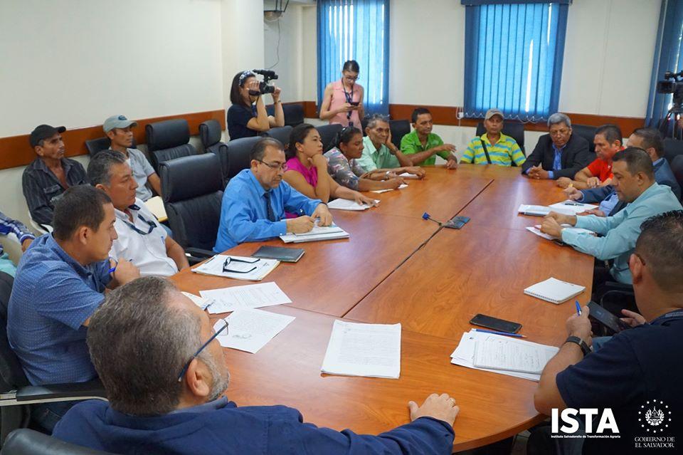 Se acordó iniciar el censo de solares para vivienda en el caso Cooperativa Mayucaquín